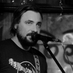 Евгений Цыганов: Это ведь мечта — выходить с гитарой на сцену, патлами трясти
